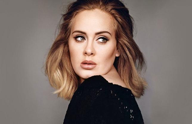 Adele naśladuje Spice Girls. Tańczy i śpiewa hit girlsbandu