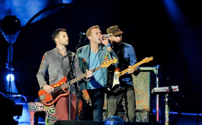 Wokaliści Coldplay i Pearl Jam razem na scenie (wideo)