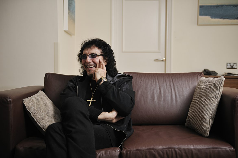 Tony Iommi wygrywa z nowotworem
