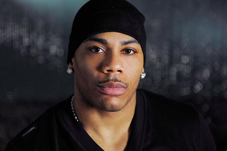 Nelly zalega z podatkami. Fani go wspierają, słuchając na potęgę jednego utworu
