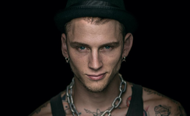 Machine Gun Kelly wraca do Polski