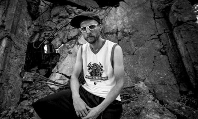 """L.U.C, Grubson, Promoe, Rapsusklei, Wöyza i Jan Feat. w klipie do """"Manifestu"""" (wideo)"""