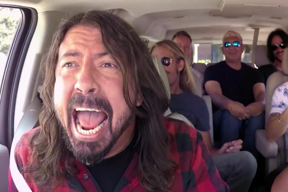 Foo Fighters w Carpool Karaoke Jamesa Cordena