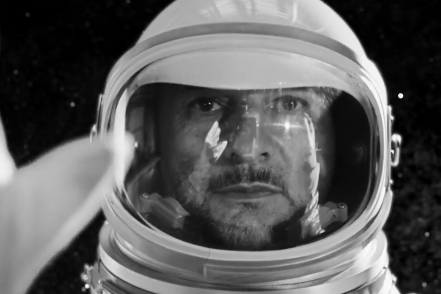 Dave Gahan w kosmosie – nowy klip Depeche Mode