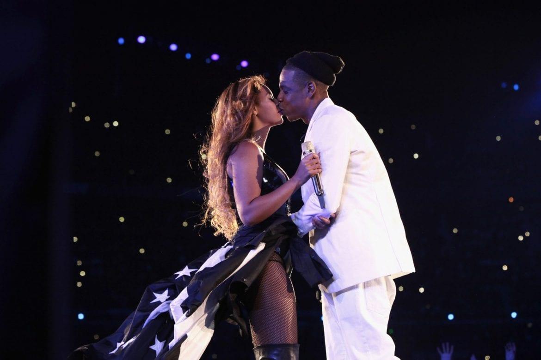Fan wtargnął na scenę podczas koncertu Beyonce i JAYA-Z