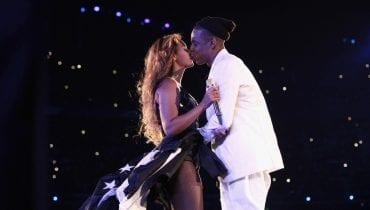 """Beyonce i JAY-Z z premierowym wykonaniem """"APESHIT"""" (wideo)"""