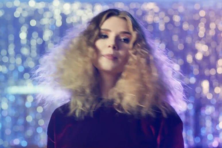 Gabi Drzewiecka w nowym klipie Natalii Moskal