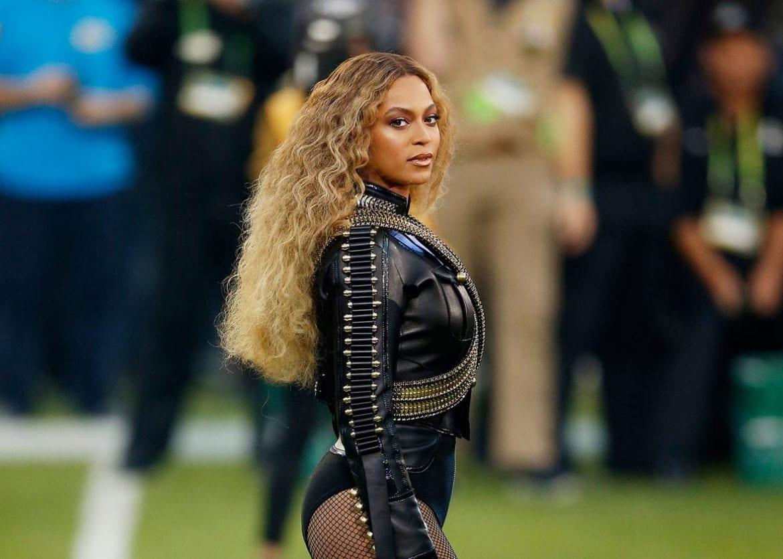 10 pamiętnych występów na Super Bowl