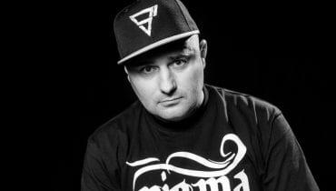 Diox w nowym singlu i klipie Piha