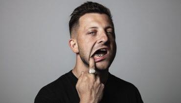 Mr. Polska z pierwszym polskojęzycznym singlem w karierze