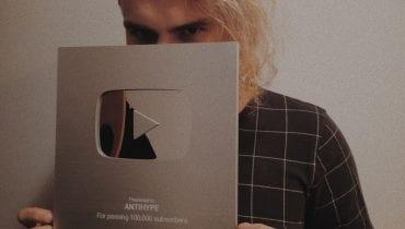 Sarius sprzedaje srebrny przycisk YouTube'a