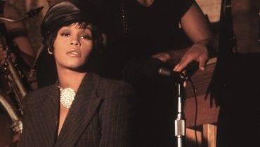 Whitney Houston żyła w związku ze swoją asystentką?
