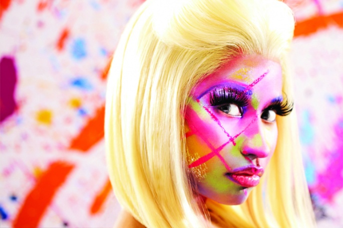 Nicki Minaj w towarzystwie Nasa i Chrisa Browna – video