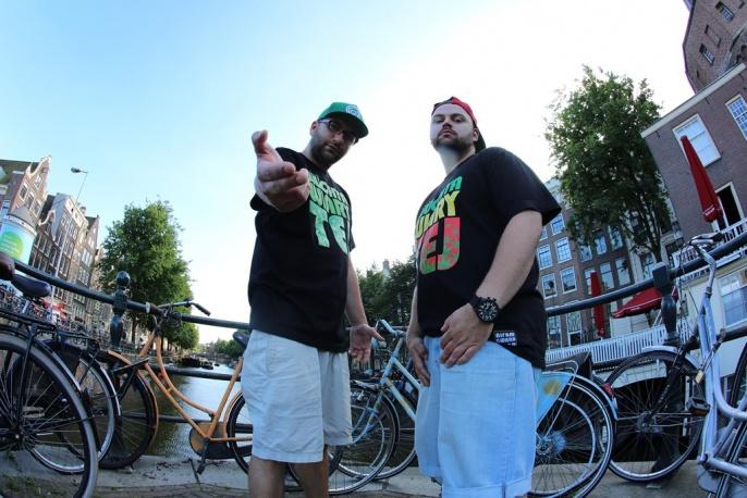 Mrokas kręci w Amsterdamie