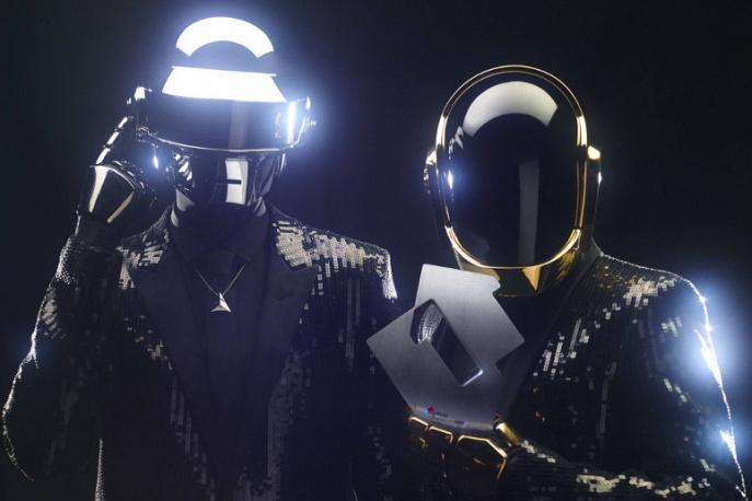 Daft Punk vs Internet