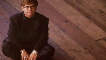 Elton John nie adoptuje