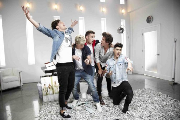 One Direction i Robin Thicke sprzedali najwięcej