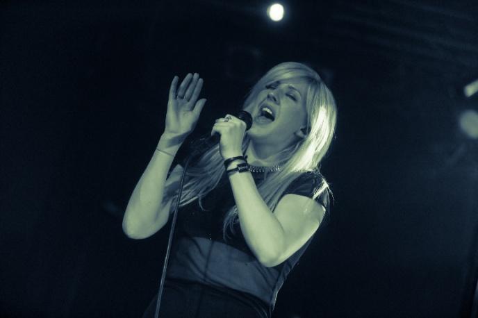 Ellie Goulding ponownie na szczycie UK Charts