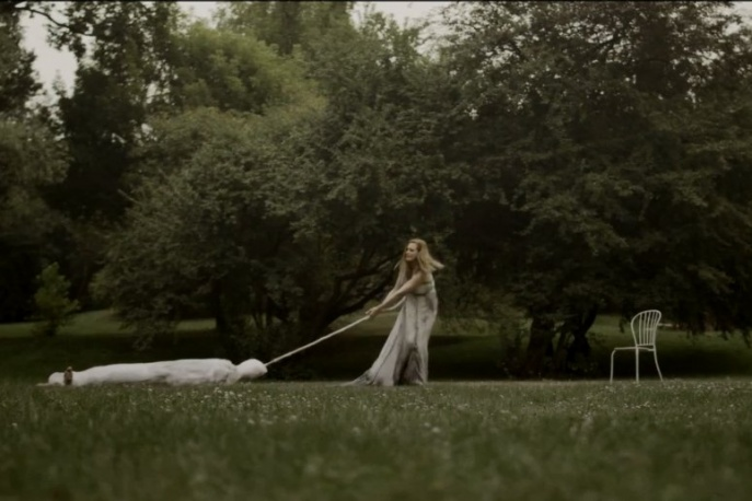 "Smolik – ""Fades Away"" (wideo)"