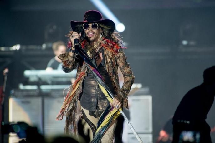 """""""Świetny wokalnie, w dobrej kondycji fizycznej i w poprawnym kontakcie z rzeczywistością"""". Relacja z łódzkiego koncertu Aerosmith"""