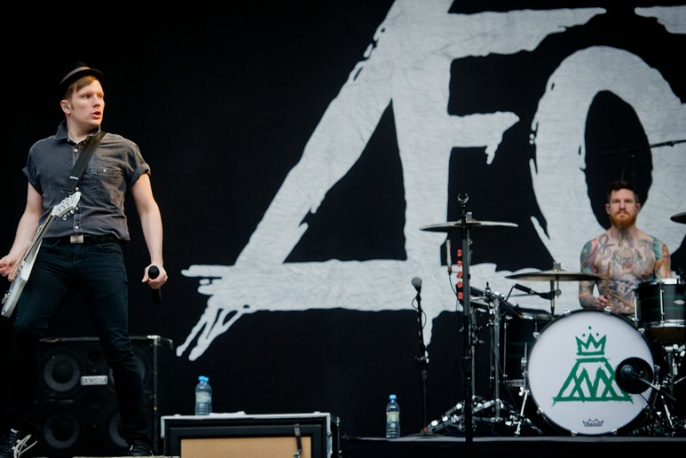 """Fall Out Boy – """"Irresistible"""" (audio)"""
