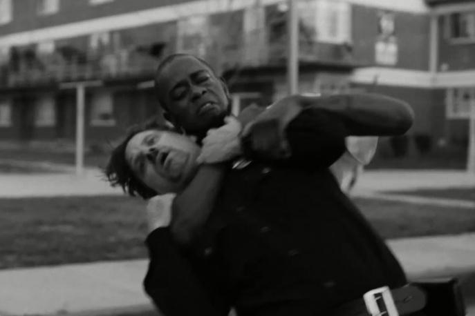 Run the Jewels pokazali czterominutową walkę czarnoskórego obywatela z białym policjantem (wideo)