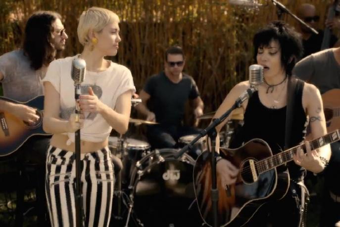 Miley Cyrus wystąpiła z Joan Jett (wideo)