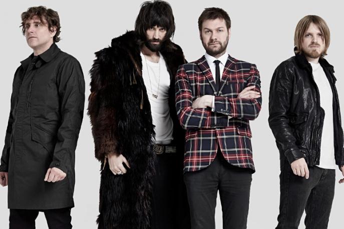 Muzycy Kasabian wtargnęli na scenę podczas open`erowego koncertu Disclosure