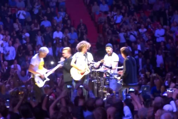 Polacy na scenie z U2