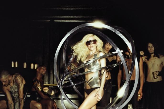 """Na żywo: Lady GaGa: """"Brown Eyes"""" i """"Telephone"""""""